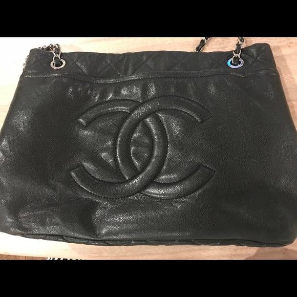 "bcf541d3bde65a CHANEL Handbags - Chanel Authentic Classic ""CC"" Soft Caviar Tote"